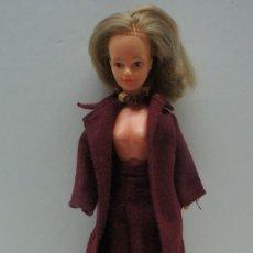 Muñecas Modernas: MUÑECA MANIQUI CRECE PELO MARCA BELLA .. Lote 221918483