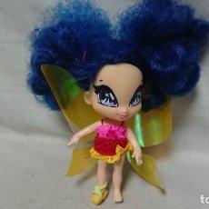 Muñecas Modernas: MUÑECA RAINBOW POP PIXIE POPPIXIE DE BANDAI AÑO 2010. Lote 221954978