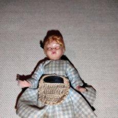 Muñecas Modernas: MUÑECA ANTIGUA DE PLÁSTICO. OJOS DURMIENTES.. Lote 222235706