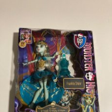 Muñecas Modernas: MONSTER HIGH FRANKEI STEI, 13 WHISHES, HAUNT THE CASBAH. Lote 224938815
