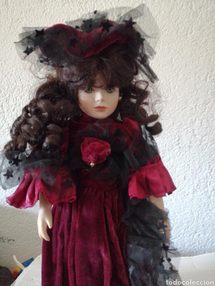 Muñecas Modernas: Muñeca en vestído de terciopelo - Foto 2 - 232921845