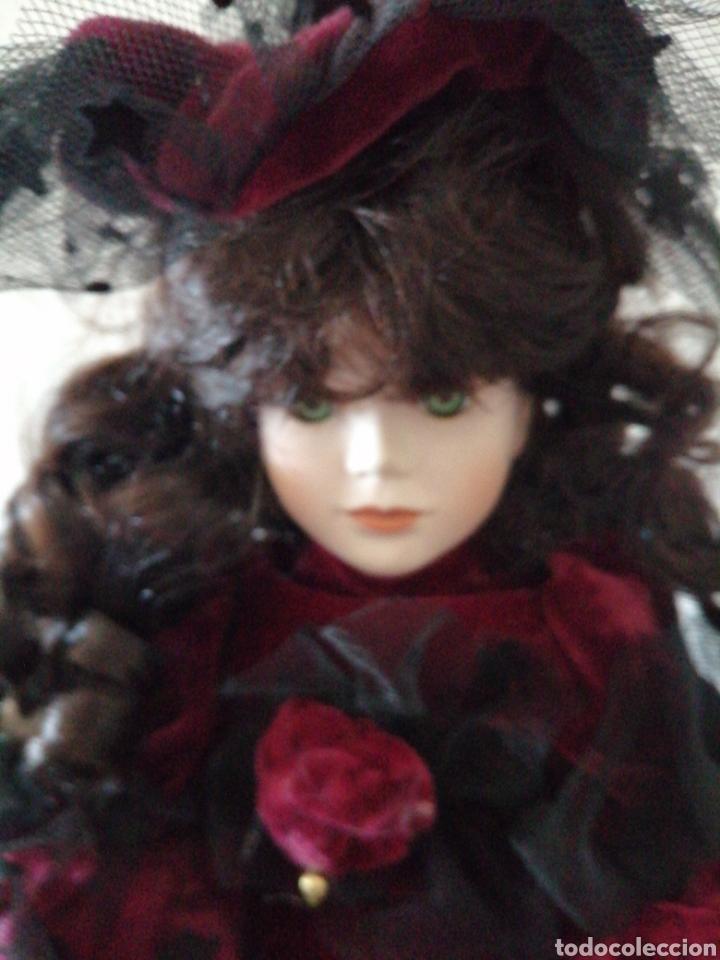 Muñecas Modernas: Muñeca en vestído de terciopelo - Foto 4 - 232921845