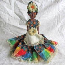 Muñecas Modernas: MUÑECA NEGRITA, PLÁSTICO CON OJOS BASCULANTES. Lote 238277735