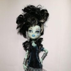 Muñecas Modernas: FRANKIE STEIN - MONSTER HIGH - FIESTA DIVINA DE LA MUERTE. Lote 238517625