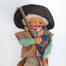 Muñecas Modernas: MUÑECO CON TRAJE REGIONALE PORTUGAL - PASTOR DE OVEJAS DE LA SIERRA DE LA ESTRELLA - 45CM. Lote 252800340