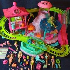 Muñecas Modernas: LOTE DE MUÑECAS POLLY POCKET,EL PARQUE DE ATRACCIONES EN CAJA. Lote 253909015