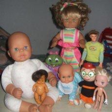 Muñecas Modernas: LOTE VARIADO DE MUÑECAS Y MUÑECOS - VARIOS AÑOS Y MARCAS. Lote 257335875