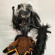 Muñecas Modernas: MUÑECA , CATWALK KILTTIE JET DOLL , MANIQUÍ GATA NEGRA, ARTICULADA,. Lote 259008355