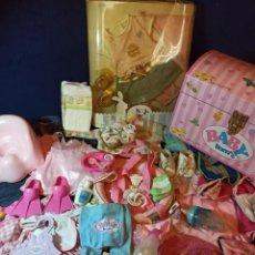 Muñecas Modernas: LOTE DE MUÑECO BABY BORN CON CASI TODO ORIGINAL.. Lote 263000665