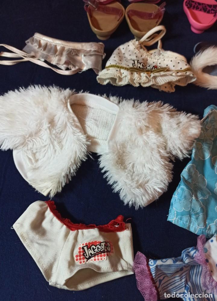 Muñecas Modernas: Lote de ropa de muñecas Jaggets de Famosa - Foto 2 - 267816729