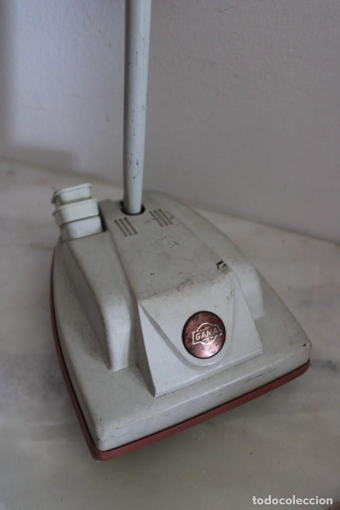 Muñecas Modernas: limpiador de alfombra brinquedo de los años 60 - Foto 2 - 268879014