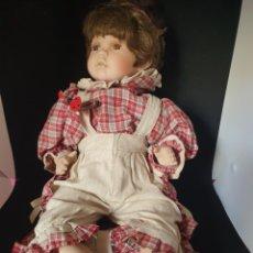 Muñecas Modernas: ANTIGUA MUÑECA PORCELANA Y TRAPO. Lote 270243738