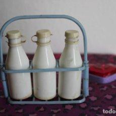 Muñecas Modernas: BOTELLAS DE LECHE PLASTICO PARA MUÑECAS - MEDIDAS VER FOTOS - FABRICACION PORTUGUESA DÉCADA DE 20. Lote 278589873