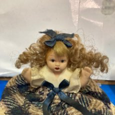 Muñecas Modernas: MUÑEQUITA DE PORCELANA ,. Lote 282997548