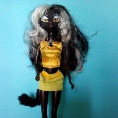Muñecas Modernas: MUÑECA CATWALK KITTIES LANARD JET, LA FOTOGRAFA. Lote 288362663