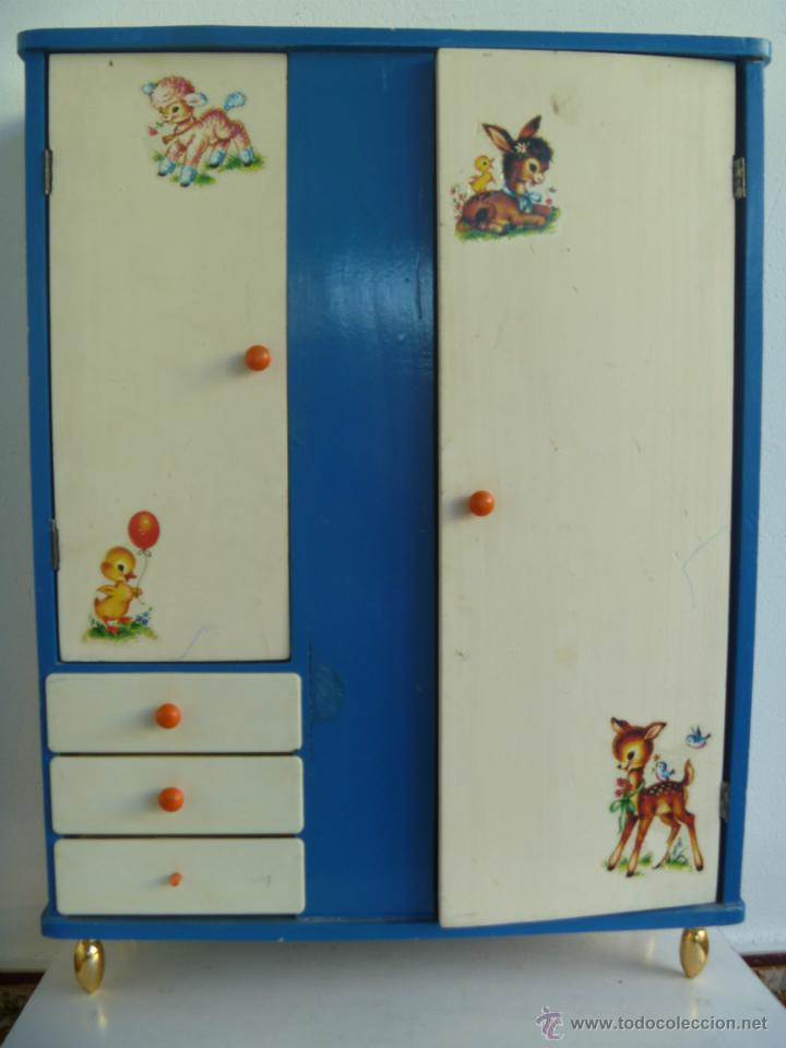 Armario Nancy Antiguo ~ armario antiguo de madera con sus perchas de na Comprar Vestidos y accesorios muñeca Nancy y
