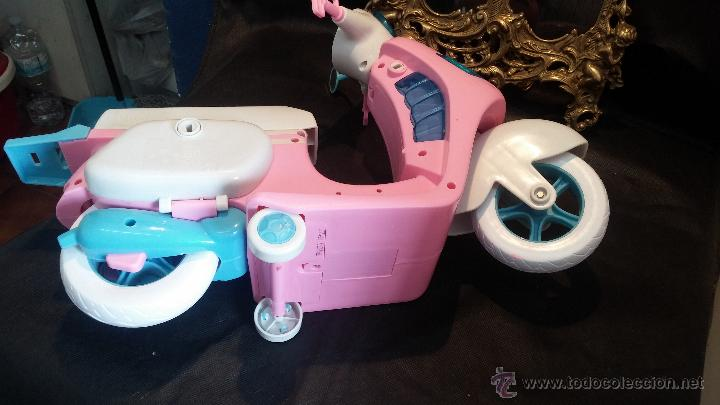 Muñecas Nancy y Lucas: La moto vespa de la muñeca Nancy de Famosa - Foto 6 - 49163666