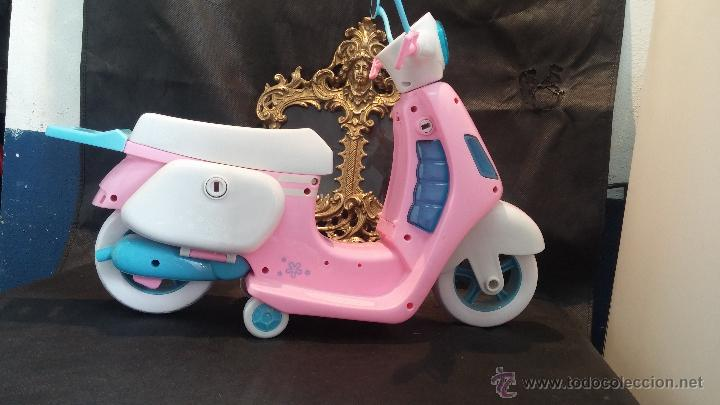 Muñecas Nancy y Lucas: La moto vespa de la muñeca Nancy de Famosa - Foto 18 - 49163666