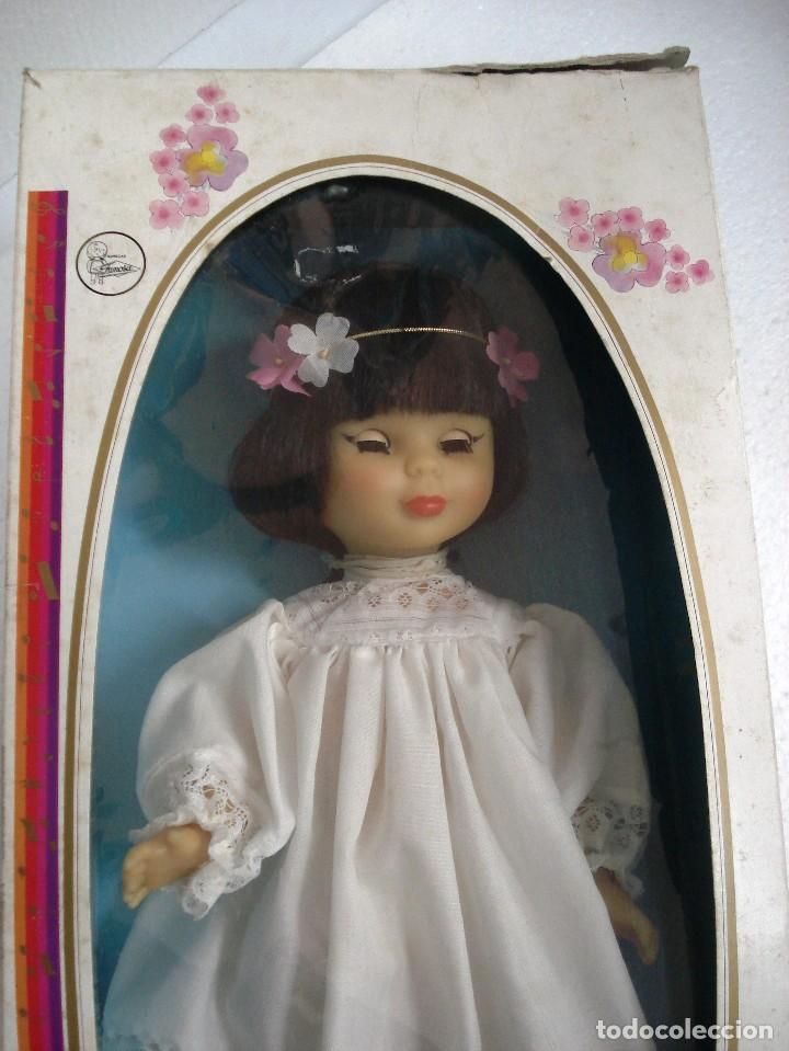 Nancy oriental musical de famosa en su caja or comprar for Musica orientale famosa