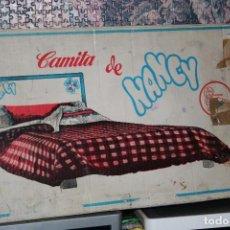Muñecas Nancy y Lucas: CAMA Y ROPA DE CAMA MUÑECA NANCY ORIGINAL EN CAJA. Lote 136339222