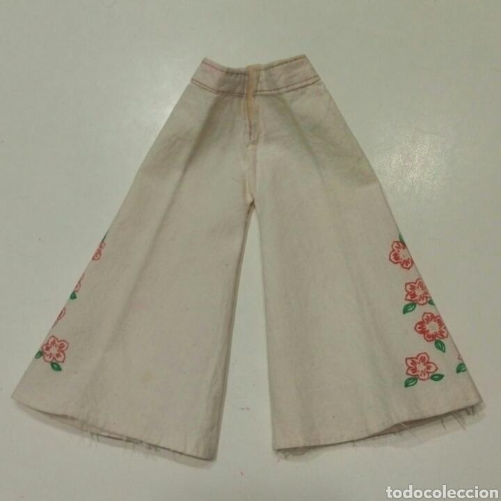 Muñecas Nancy y Lucas: Conjunto Hippy camisa azul pantalon campana blanco flores original Nancy - Foto 2 - 87631696