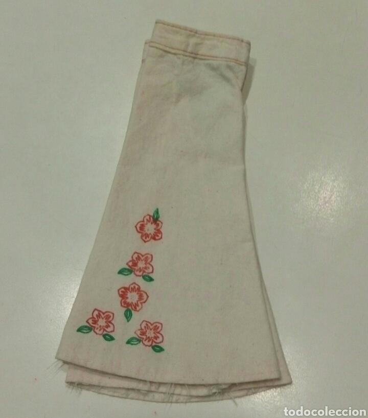 Muñecas Nancy y Lucas: Conjunto Hippy camisa azul pantalon campana blanco flores original Nancy - Foto 3 - 87631696