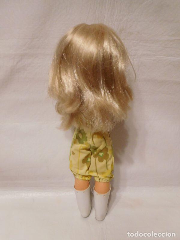 Muñecas Nancy y Lucas: M69 Muñeca Nancy rubia ojos margarita. Años 70. Con mono amarillo y botas altas. Ver descripción. - Foto 8 - 112814051
