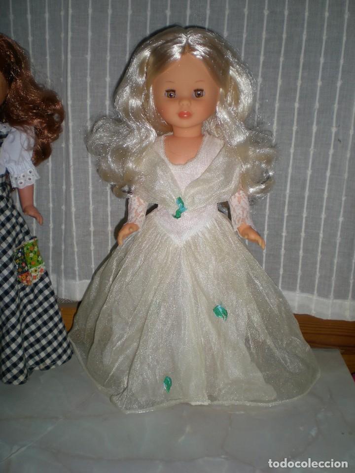 Muñecas Nancy y Lucas: nancy nueva sin uso+ conjunto esperando al principe flores azules tul reflejos dorados año 70 ref 53 - Foto 3 - 116990931