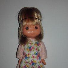 Muñecas Nancy y Lucas: MUÑECA LAURA DE LAS MONTAÑAS DE TOYSE CON VESTIDO ORIGINAL. Lote 123058939