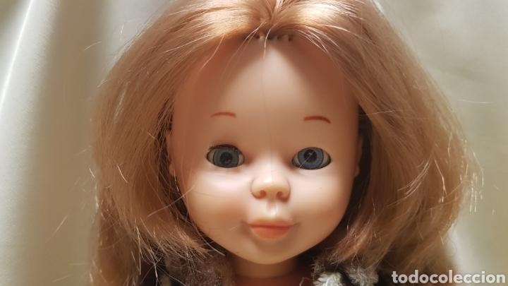Muñecas Nancy y Lucas: Nancy de famosa con conjunto en las carreras,sin bolso, ojos azules margarita , - Foto 3 - 125998384