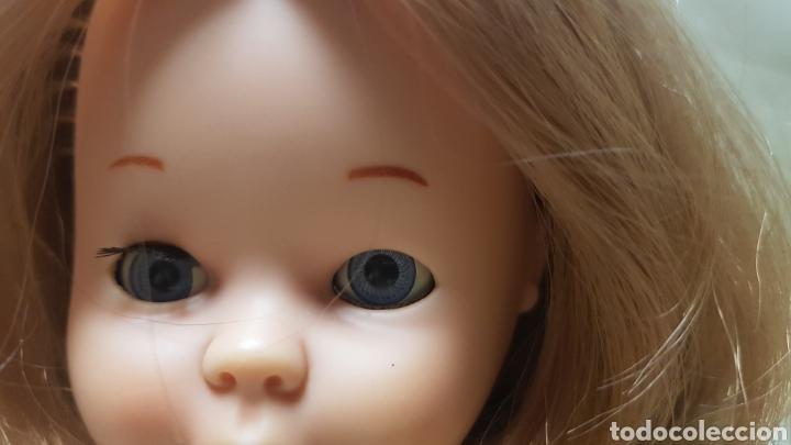 Muñecas Nancy y Lucas: Nancy de famosa con conjunto en las carreras,sin bolso, ojos azules margarita , - Foto 4 - 125998384