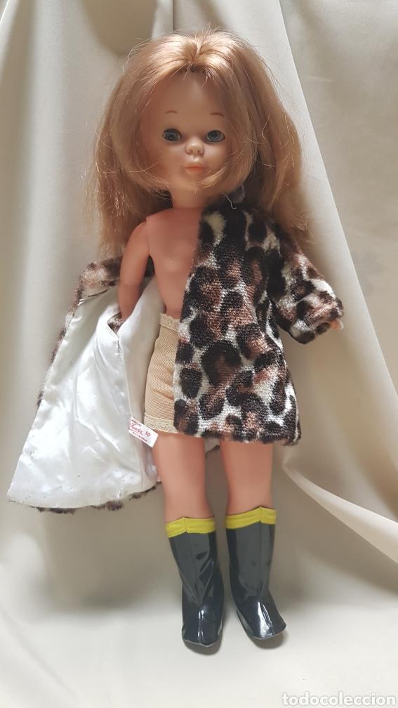Muñecas Nancy y Lucas: Nancy de famosa con conjunto en las carreras,sin bolso, ojos azules margarita , - Foto 8 - 125998384
