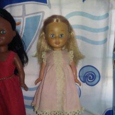 Muñecas Nancy y Lucas: NANCY PATA BOLLO BRAZOS DUROS CONJUNTO ORIGINAL DE FAMOSA ETIQUETA SIN NUMERO SOLO FAMOSA AÑO 70/71. Lote 126164363