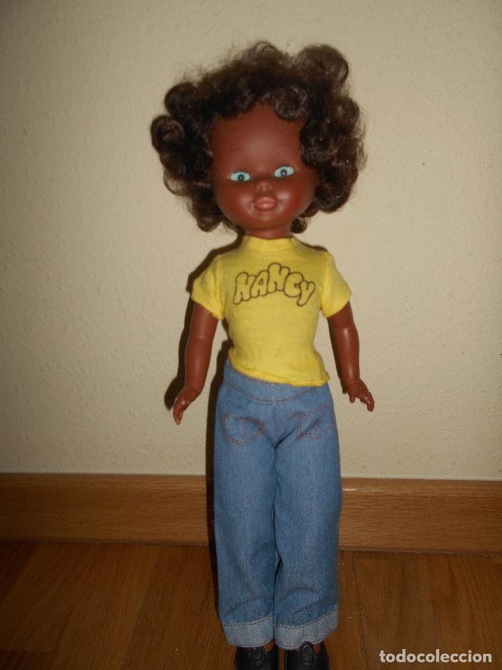 Muñecas Nancy y Lucas: ESPECTACULAR Muñeca Nancy Famosa Negra Negrita Blue Jeans años 70 con conjunto original PELO RIZADO - Foto 3 - 129225883