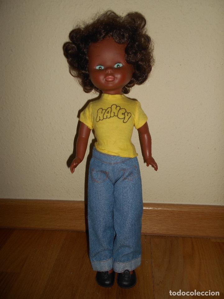 Muñecas Nancy y Lucas: ESPECTACULAR Muñeca Nancy Famosa Negra Negrita Blue Jeans años 70 con conjunto original PELO RIZADO - Foto 4 - 129225883