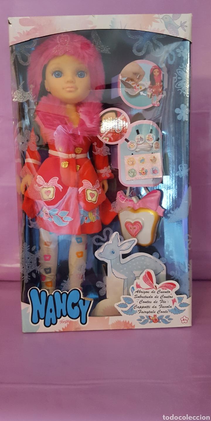 NANCY ABRIGO DE CUENTOS EN CAJA (Juguetes - Muñeca Española Moderna - Nancy y Lucas)