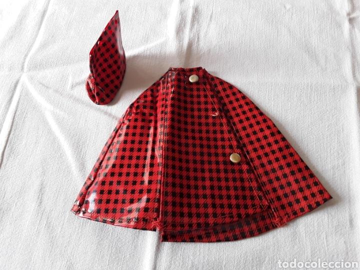 CAPA DE LLUVIA CAROLIN (Juguetes - Muñeca Española Moderna - Nancy y Lucas, Vestidos y Accesorios)