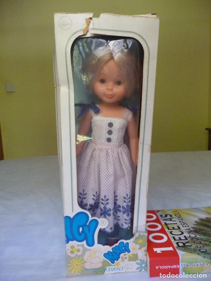 Muñecas Nancy y Lucas: Nancy de famosa rubia ojos marron margarita con dificil conjunto años 80 nueva en caja - Foto 2 - 95772583