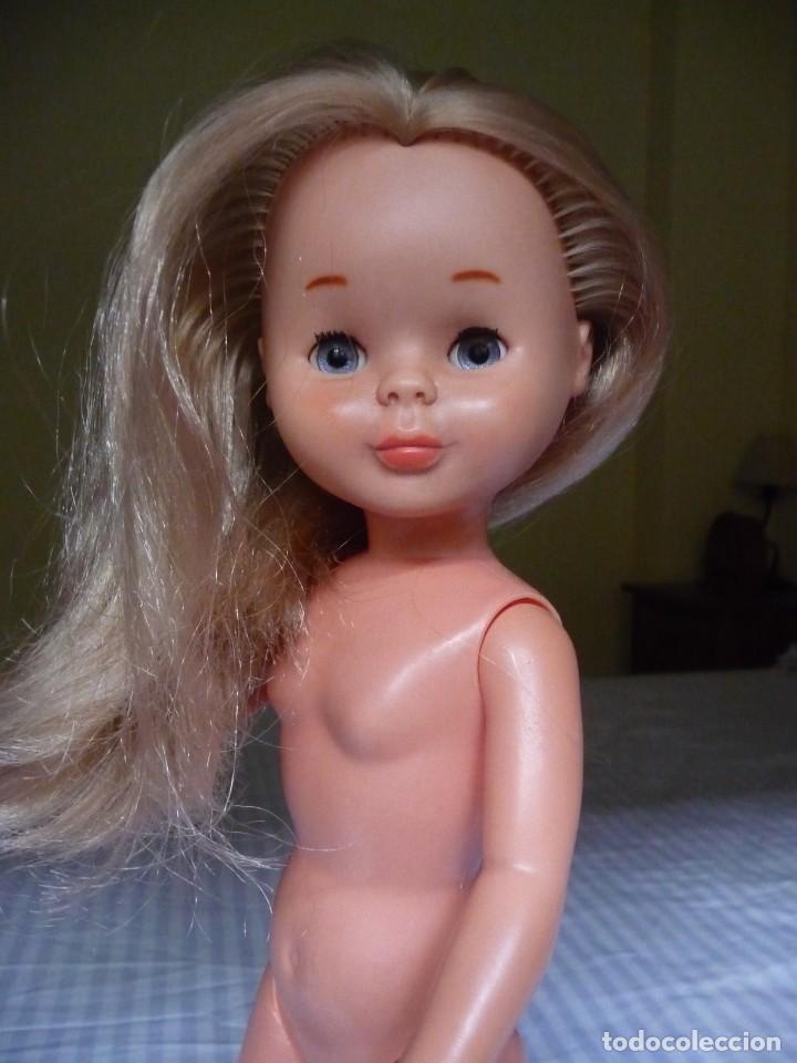 Muñecas Nancy y Lucas: Nancy de famosa rubia ojos azul margarita patabollo años 70 tobillo ancho - Foto 9 - 143909850