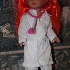 Muñecas Nancy y Lucas: CONJUNTO ORIGINAL MUÑECA NANCY DOCTORA . Lote 151955810