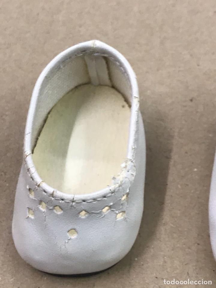 Muñecas Nancy y Lucas: Nancy zapatos blancos de piel - Foto 4 - 164519830