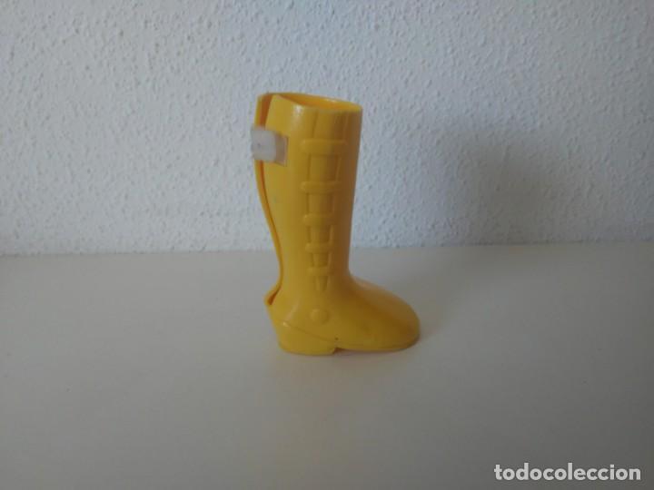 Muñecas Nancy y Lucas: Bota derecha Nancy New. Zapato amarillo - Foto 2 - 164574354