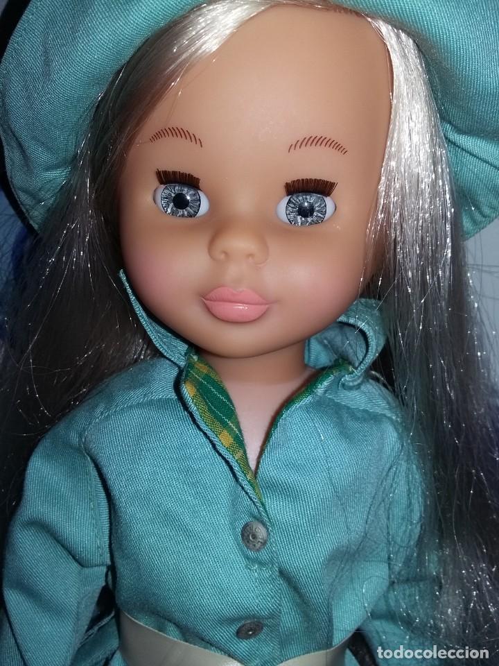 Muñecas Nancy y Lucas: nancy de colección 2005 + vestido lluvia años 70 con etiqueta cejas quiron ojos grises muy nueva!!! - Foto 2 - 169412208