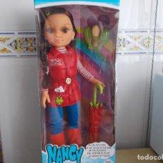 Muñecas Nancy y Lucas: NANCY NEW. UN DIA DE LLUVIA. NUEVA SIN USO EN SU CAJA ORIGINAL. Lote 172013260