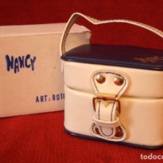 Muñecas Nancy y Lucas: NANCY PEQUEÑA MALETA / NECESER ORIGINAL EN CAJA. Lote 183298326
