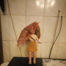Muñecas Nancy y Lucas: SOMBRILLA BORDADA COLOR ROJO CON LENTEJUELAS PARA NANCY. Lote 190172500