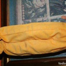 Muñecas Nancy y Lucas: PANTALON MUÑECA NANCY AMARILLO AÑOS 80 BUEN ESTADO. Lote 193612557