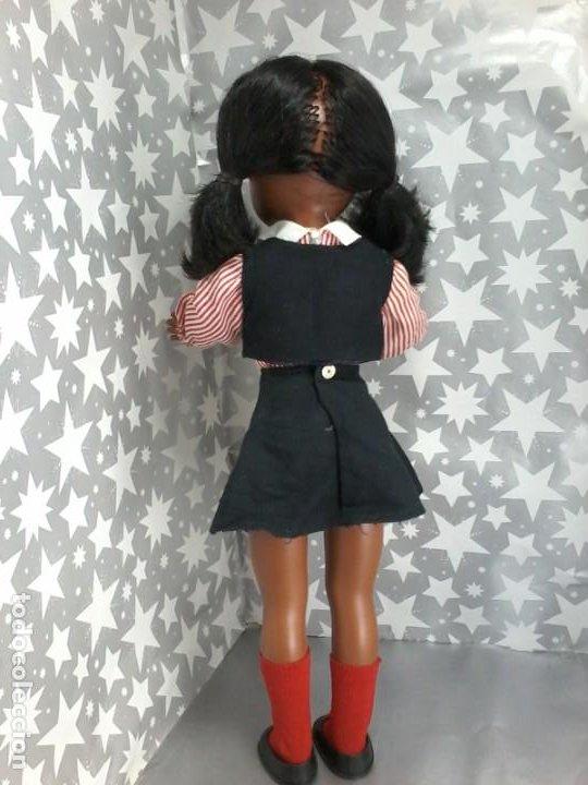 Muñecas Nancy y Lucas: Nancy negra colegiala años 70 sólo famosa - Foto 2 - 194227731