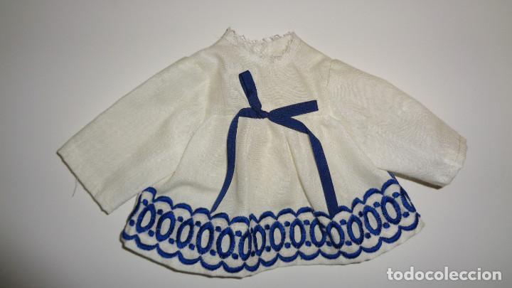 Muñecas Nancy y Lucas: Camisa blanca con lazo azul. Nancy Famosa. Años 70. En buen estado. ¿¿Original Nancy??. - Foto 4 - 194498893