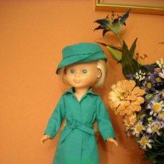Muñecas Nancy y Lucas: GABARDINA Y SOMBRERO PARA NANCY. Lote 195030241